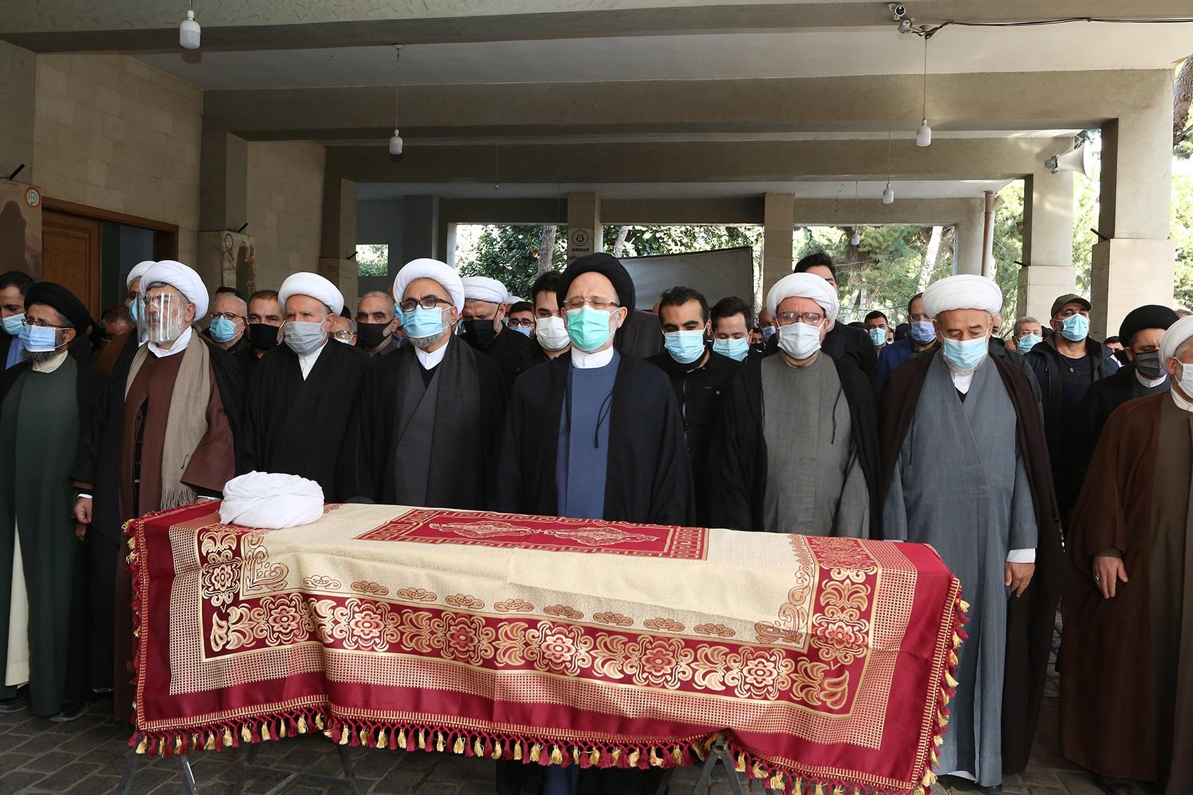 فضل الله أم الصلاة على جثمان الشيخ يوسف سبيتي